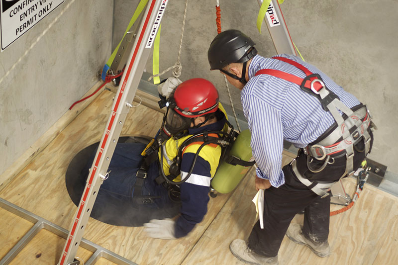 Confined Space Rescue Pinnacle Safety And Training
